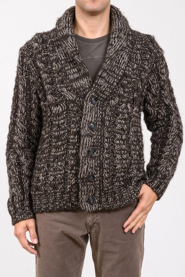 CARDIGAN LOVE MOSCHINO  Splendido cardigan di lana con collo da tenere chiuso o aperto, chiusura con bottoni. http://www.vienvioutlet.it/index.php/uomo/cardigan-love-moschino.html#sthash.XPLuSCkr.dpuf