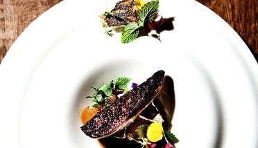 Foie gras, smoke and merengues @Restaurant CLOU