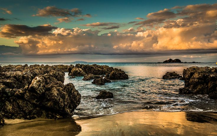 Little Barrier Island from Palm Beach by pete rees on 500px