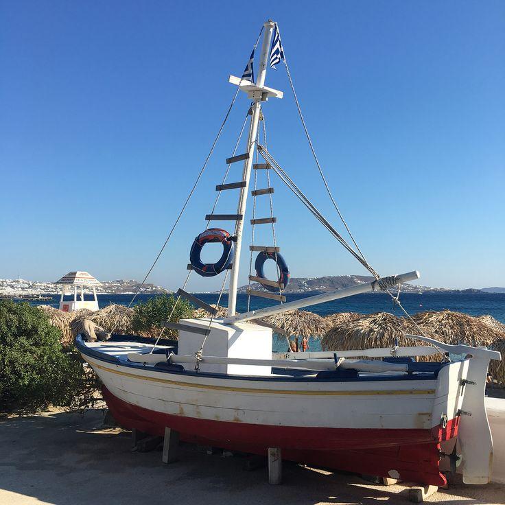 #rosinaperfumery #perfumes #nicheperfumes #perfumery #giannitsopoulou6 #glyfada #athens #greece #shoponline : www.rosinaperfumery.com 🌊 #mykonos #port #remezzo #island #greek #cyclades #greekislands 🇬🇷🙏🏻