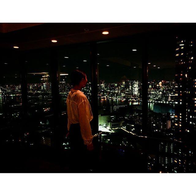 Instagram【asagi0111】さんの写真をピンしています。 《タワーマンションからの夜景が綺麗すぎる😱💕 #japan#tokyo#towermansion#happy#butiful#sky#niceview#loves_nippon#東京#夜景#綺麗カメラ女子#写真が好きな人と繋がりたい#写真を撮るのが好きな人と繋がりたい#instagood#me#love#genic_mug》