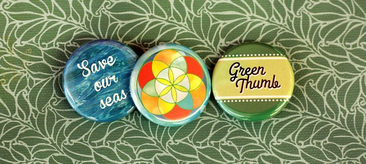 Green thumbs, nature lovers, and earth protectors unite! This #earthday wear your love of nature on your sleeve with the People Power Press #earthlove button collection :)