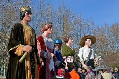 Els gegants de Súria, el gegant miner i els gegants d'El Gorg de l'Olla, a la plaça de Sant Joan, al final de la cercavila de la festa de Sant Sebastià