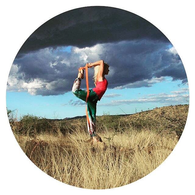 GLOBAL YOGI : Sigi is a Nambia based yoga teacher, photographer, ICU nurse & artist, and a proud mother of two. Her profile takes you on a visual trail through the stunning backdrops of her hometown. Definitely drop by and say hello to her at @sigikolbe ⭐️ #globalyogi #yogini