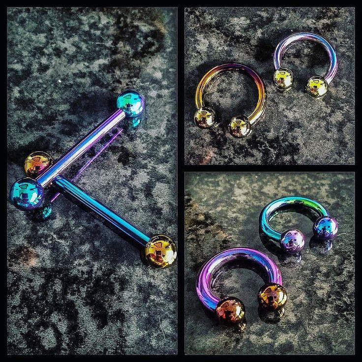 Quelques propositions colorées @industrialstrength vos futurs piercings avec @lepoinconneurdeslilas !  #mubodyarts #mustardcity #dijonpiercing #piercingdijon #highquality #piercing #dijon #bodyjewelry #bijoux #titane #astmf136 #implantgrade #titanium #industrialstrength #jewelry #anodizingisawesome #safepiercing #igersdijon #igersbourgogne #barbell #circularbarbell #ampallang #tonguepiercing #apadravya #septum #modifiedunicorns #dijonville #comegetshiny