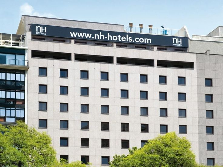 Buenos Aires NH 9 de Julio Hotel Argentina, South America NH 9 de Julio Hotel is conveniently located in the popular San Nicolas area. The hotel offers a wide range of amenities and perks to ensure you have a great time. Service-minded staff will welcome and guide you at the NH 9 de Julio Hotel. Some of the well-appointed guestrooms feature television LCD/plasma screen, internet access – wireless (complimentary), non smoking rooms, air conditioning, heating. To enhance guests'...