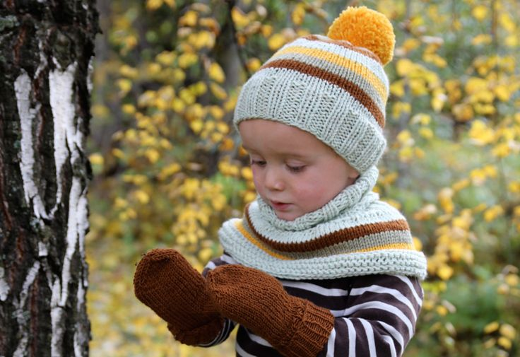 Kindergarten-kit: Hat, neckwarmer and mittens - Pickles - I'm mainly pinning this just to have the mitten pattern (1-6yr)