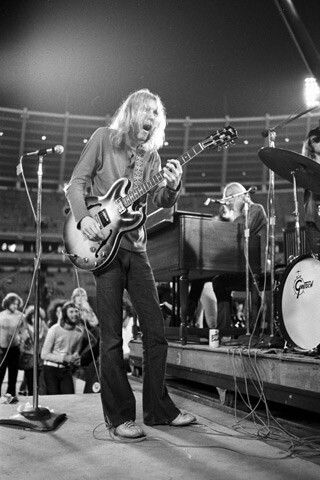 Duane Allman - Cosmic Carnival Tour 1970 Atlanta - photo by Joe Sia