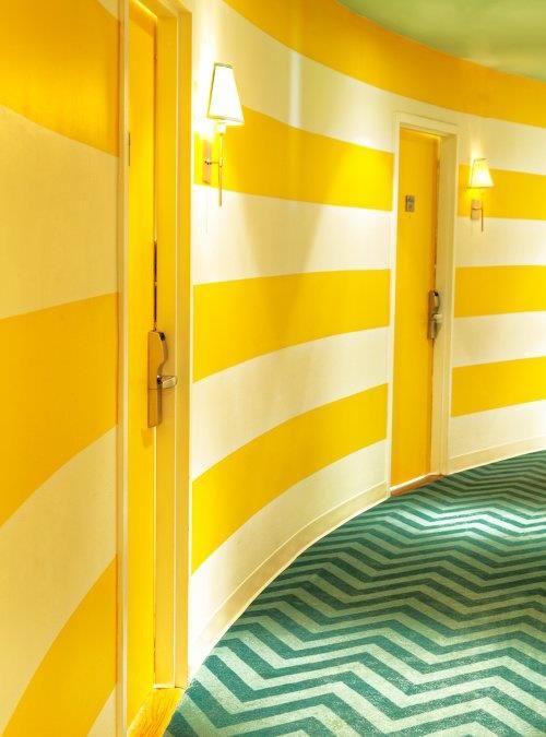 Azulejos Baño Sueltos:Yellow Stripe Walls