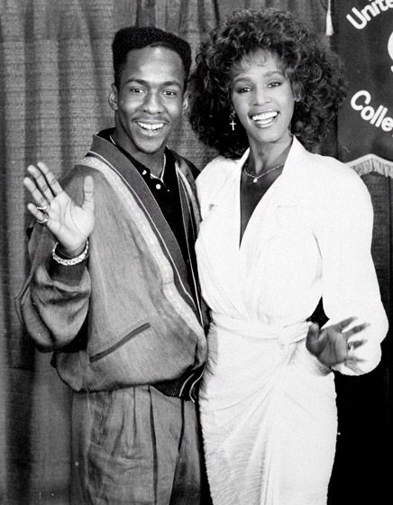 Google Image Result for http://www.usmagazine.com/uploads/assets/photo_galleries/regular_galleries/1558-whitney-houston-and-bobby-browns-family-album-with-bobbi-kristina/photos/1329153620_whitney-houston-bobby-brown-1990-lg.jpg
