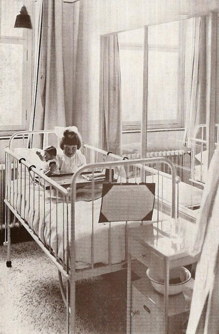 Sint Joseph Ziekenhuis 1932, kinderbox