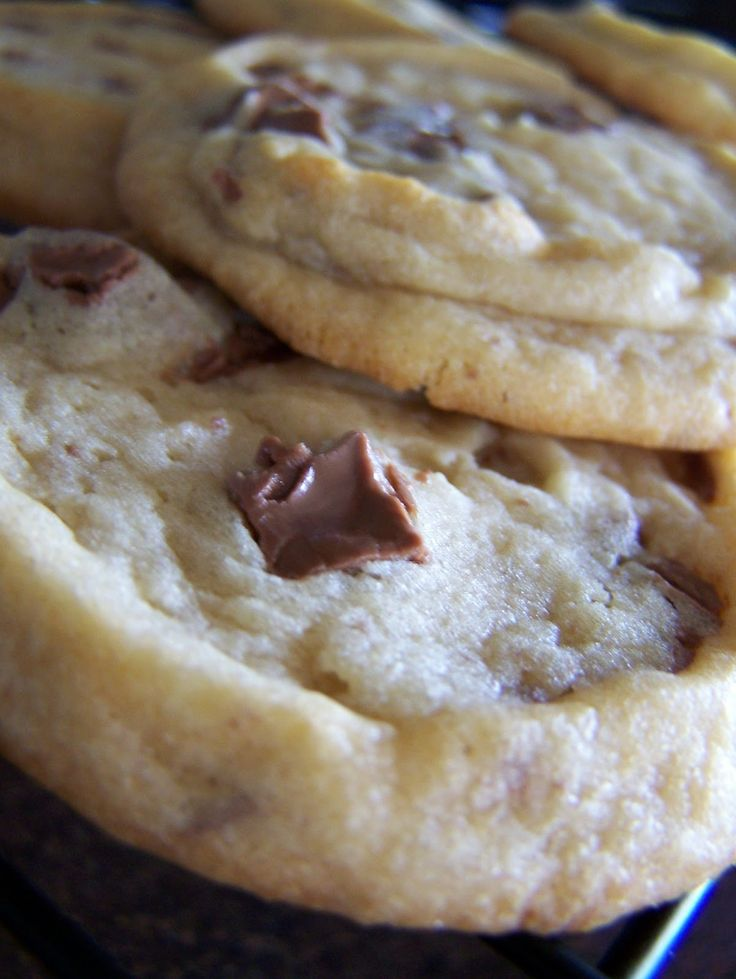 Chocolate chunk cookies, just like Subway cookies. Great recipe to make these cookies at home!