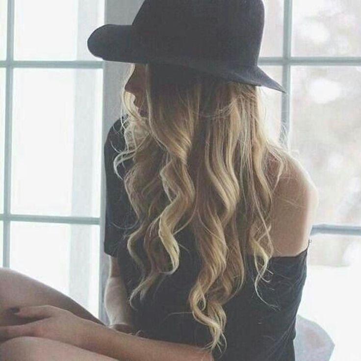 Hair inspiration #hatlove Pic found at @weheartit #hair #inspohair #hår #langthår