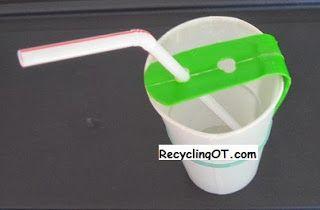 The Recycling Occupational Therapist: Straw Holder gemaakt van een plastic fles, gewoon een reepje knippen dat een hoek maakt, gaatje prikken en vastzetten met een elastiekje