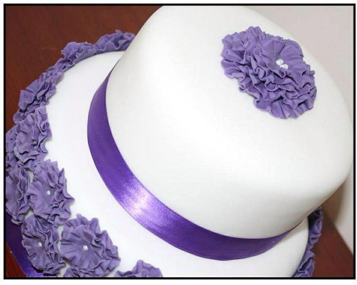 Gorgeous ruffle flower wedding cake