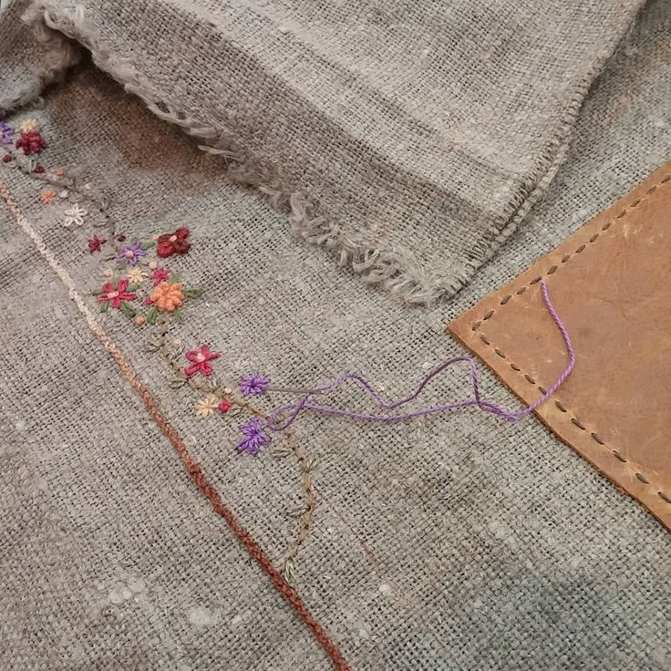 #Embroidery#stitch#needlework #프랑스자수#일산프랑스자수#자수 #햄프린넨 #무엇이될까? ~