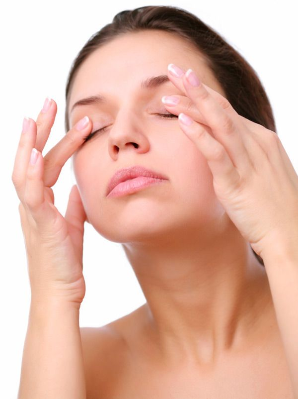 Home Remedies for Puffy Eyes: Don't worry, there are various remedies you can do to reduce puffiness click to read more.......