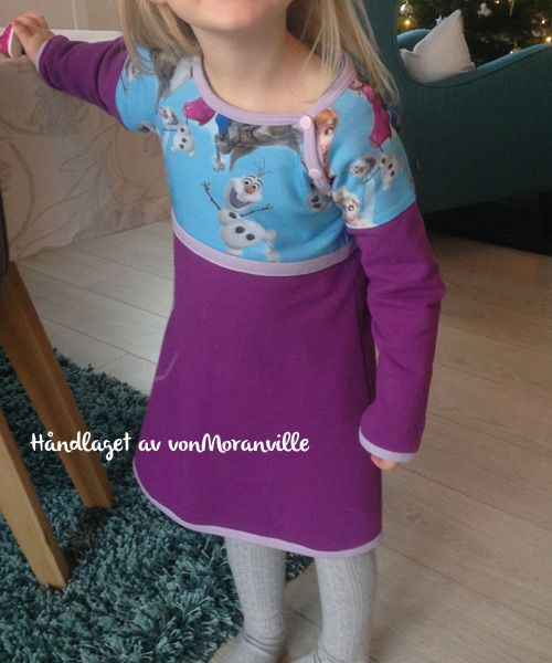Girls favourite! Home made Frozen dress - perfect for winter!