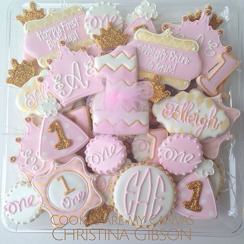 Beautiful and elegant First Birthday Cookies; pale pink and gold. Perfection: beautiful & taste amazing!