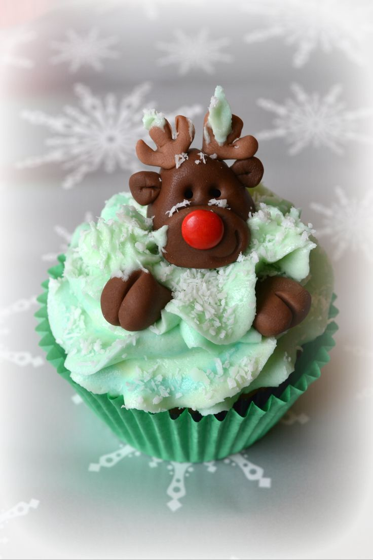 Christmas - Christmas Cupcakes - Rudolph peeping out of the snow.