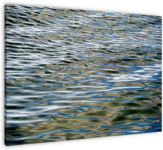 bewegend water  naar de rustige golfslag van water en de bewegende weerspiegelingen van lucht en zonlicht kan je eindeloos blijven kijken. het werkt ontspannend en geeft rust.