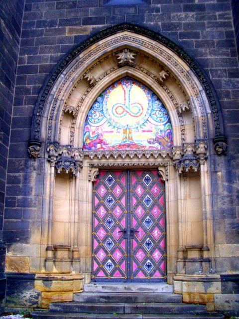 pink door :D