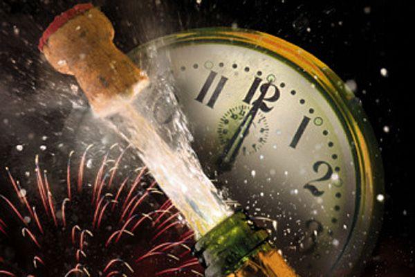 Nadejście nowego roku nie wpływa na numerację faktur – numer ostatniej faktury w roku poprzednim to n, pierwsza faktura w nowym roku ma numer n+1. Numery klientów również nie ulegają zmianie.