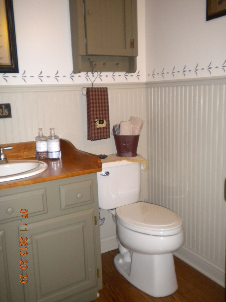 130 best images about colonial bathroom on pinterest for Colonial bathroom ideas