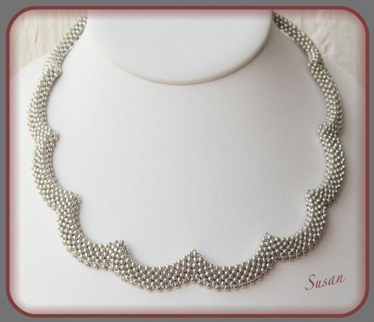 Jag har gjort ett liknande halsband innan, men det fick min mor. Tekniken kom jag på själv, sen fick jag veta att jag inte uppfann något,...