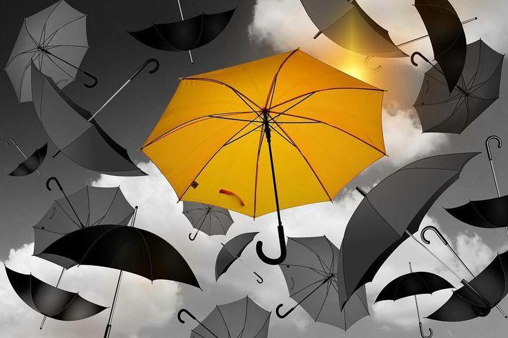 Şemsiyeler ilk olarak 3400 yıl önce Mezopotamyada yakıcı güneşten korunmak için kullanılmış. Günümüzde yağmurlu havaların vazgeçilmezi olan şemsiyeler aynı zamanda stilimizin bir parçası  #rain #umbrella #marconlab
