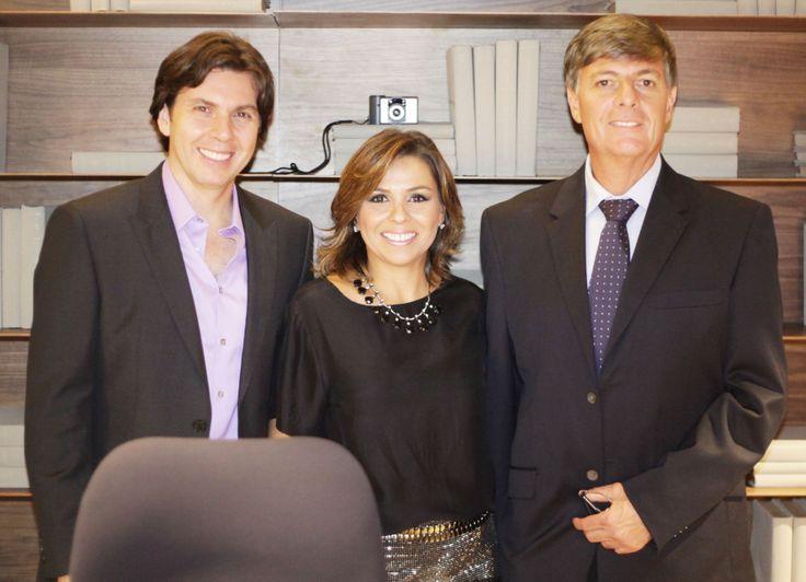 Rafael Andrade, Flávia Andrade e Luiz Andrade na inauguração da Mostra Casa Viva. #casaviva #habitatnacasaviva