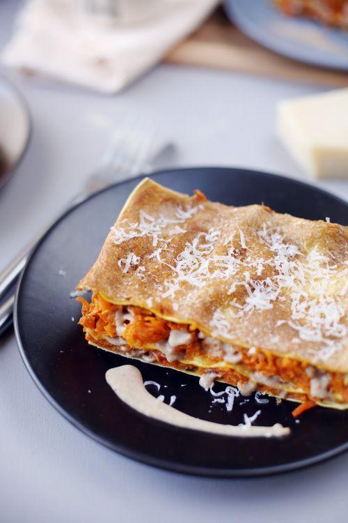 Lasagnes végétariennes avec des saveurs très différentes de ce qu'on a l'habitude de manger: carottes, patate douce et béchamel à la farine de châtaigne