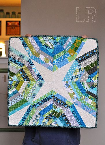 incredible quilting: Minis Challenges, Spiders Minis, Minis Quilts, Quilts Blocks, Modern Minis, Small Quilts, Minis String, Quilts Ideas, Awesome Minis