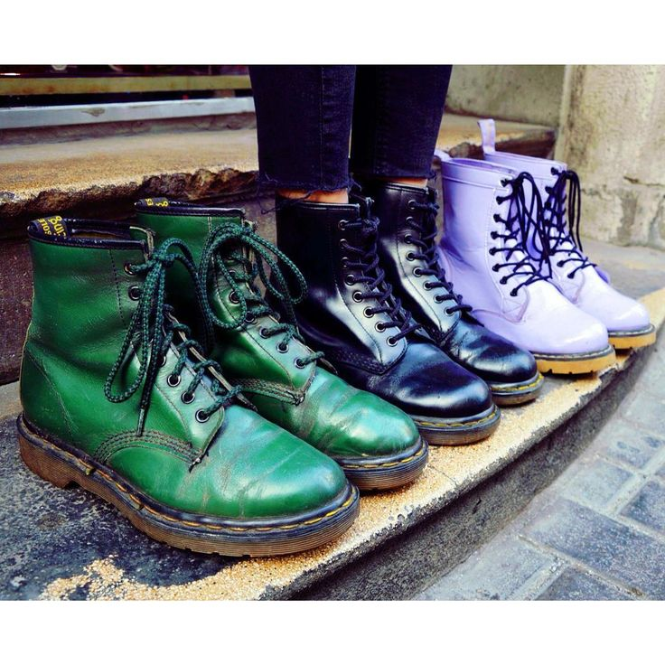 Classic Doc 💚  vintage docmartens airwear boots szputnyikshop punk shoes green purple extraordinary styles stomping step by step doctormartens