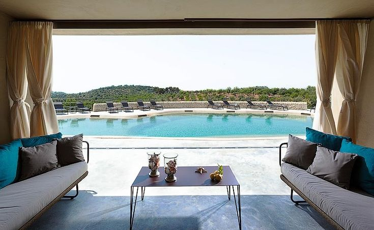 The key reasons why you should consider the beautiful Country House Villadorata in Sicily.