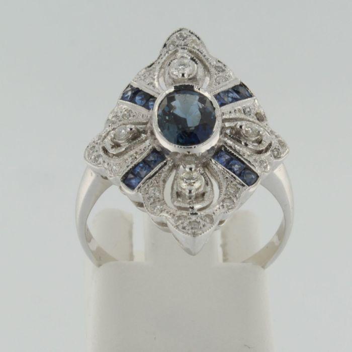 Online veilinghuis Catawiki: Witgouden ring in art deco stijl met saffier en briljant geslepen diamanten