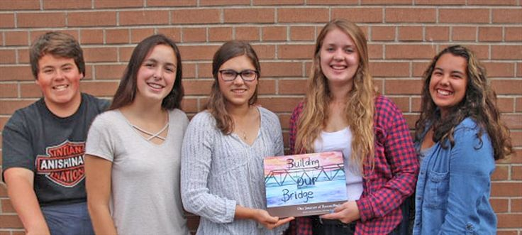 📖 Congratulations! Parry Sound students wrote a story of the school's mission to bridge the gap between Indigenous & nonindigenous students. 🏆Their book ended up winning ME To WE's WE Innovate contest & the students have been invited to Ottawa on Nov 15 to talk about their project on the WE Day stage! 👏🏼  (PS: The Building Our Bridge book presentation runs from 6-7 pm Nov 9 at the Stockey Centre)