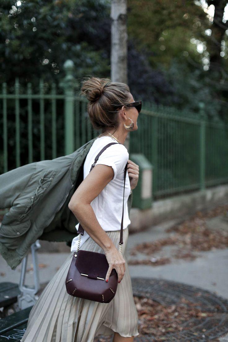 blogger-streetstyle-falda-plisada-sandro-bag-bolso-moda-paris-pfw-hogan-bomber-iro-bartabac-blog-fashion-silvia_-9