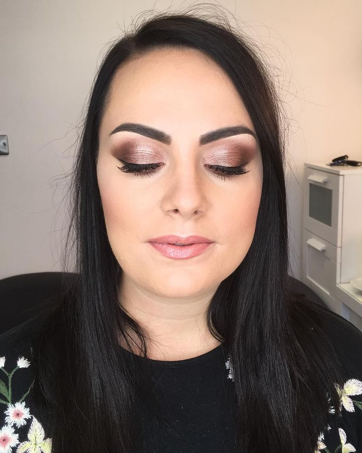 Keeping it warm and smokey for Rebecca  #makeup #makeupartist #makeuplife #mua #mac #makeover #instamakeup #makeuplover #makeupaddict #makeupjunkie #smokeyeyes #warmeyes #brows #glamour