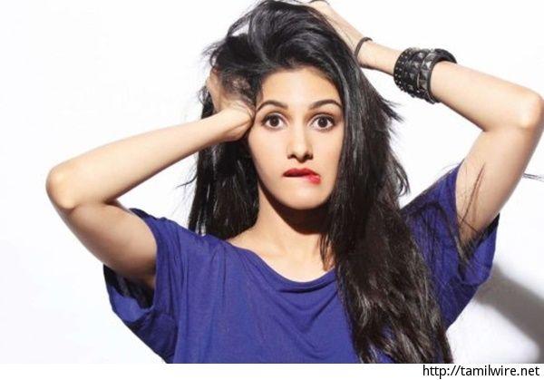 Fashion police bothers Amyra Dastur - http://tamilwire.net/60426-fashion-police-bothers-amyra-dastur.html