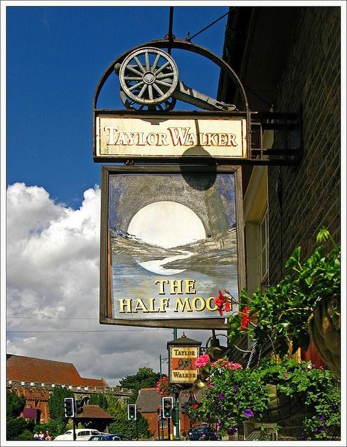 Half Moon Pub Sign - Rayleigh, England