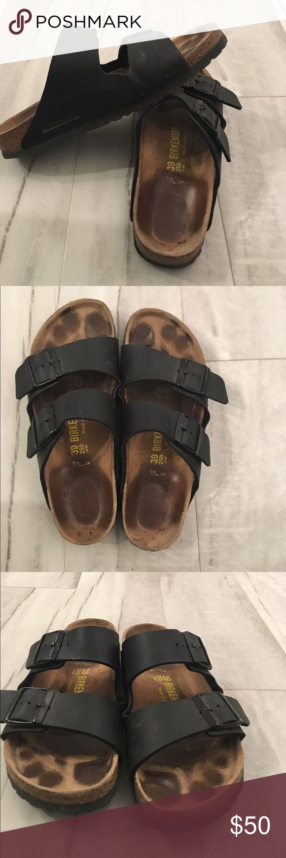 Black Birkenstock Sandals 39 / 8-8.5 Women's Black Birkenstock Sandler, size 39 which is an 8-8.5 (according to Birk website) in Women's. Love these shoes, selling for a friend. If they were my size I'd keep them!!! Birkenstock Shoes Sandals