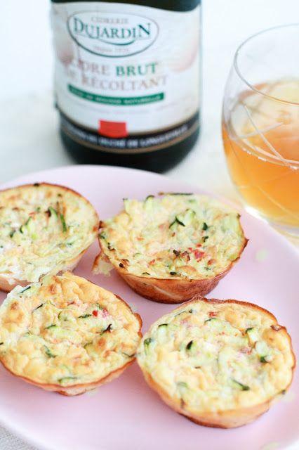 Mini frittata aux courgettes, chèvre frais et poivron rouge sur http://unflodebonneschoses.blogspot.fr/2013/09/mini-frittata-aux-courgettes-chevre-et.html