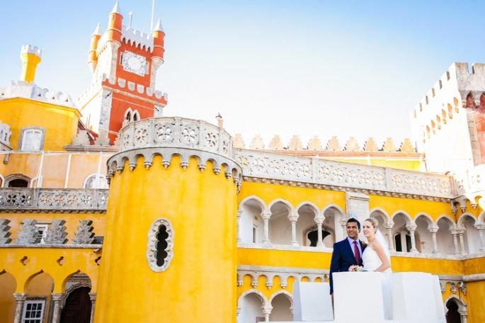 An original wedding at the Pena Palace wedding venue in Sintra, Portugal! For more info please email us at: info@lisbonweddingplanner.com
