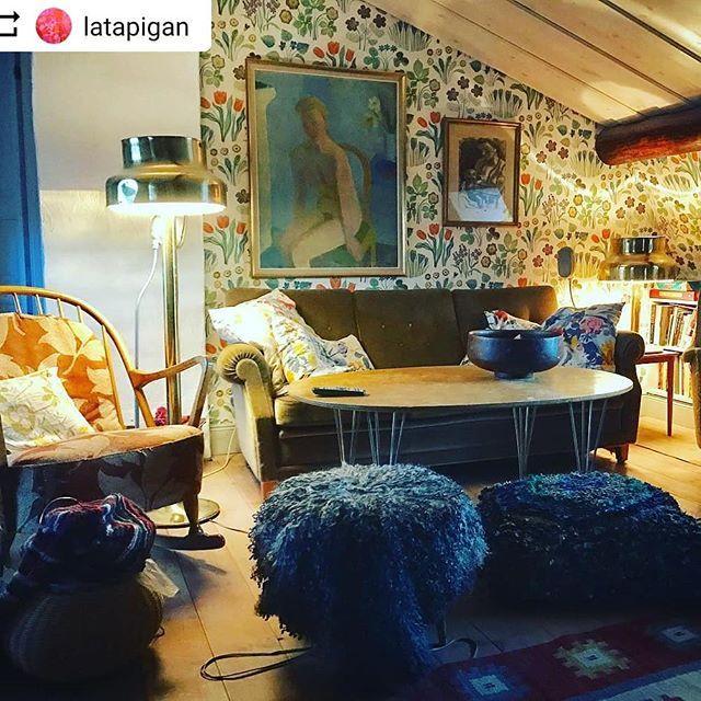 #Repost @latapigan with @instatoolsapp  Rädda klotet! Köp begagnat! Här är TVrummet helt möblerat med loppisköp. #latapigan #interior #inredning #joseffrank #bumling #ateljelyktan