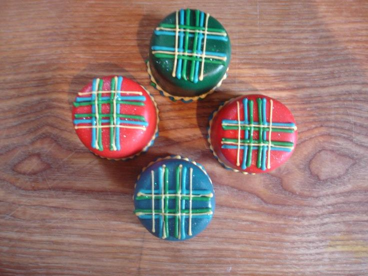 Burns night mini tartan cakes