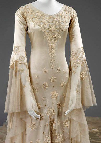 Les 124 meilleures images du tableau norman hartnell for Wedding dresses norman ok