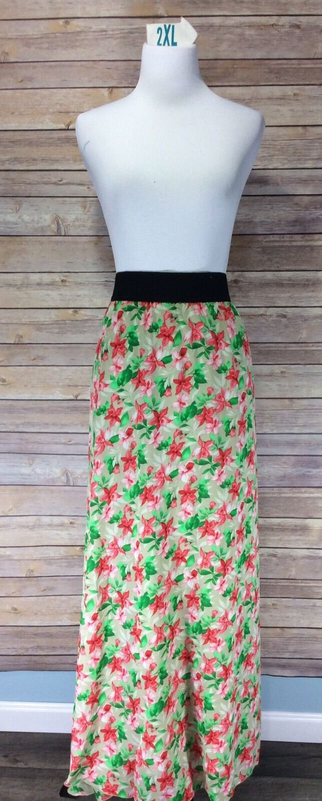 LuLaRoe Lucy Skirt Size 2XL Floral Flowers NWT