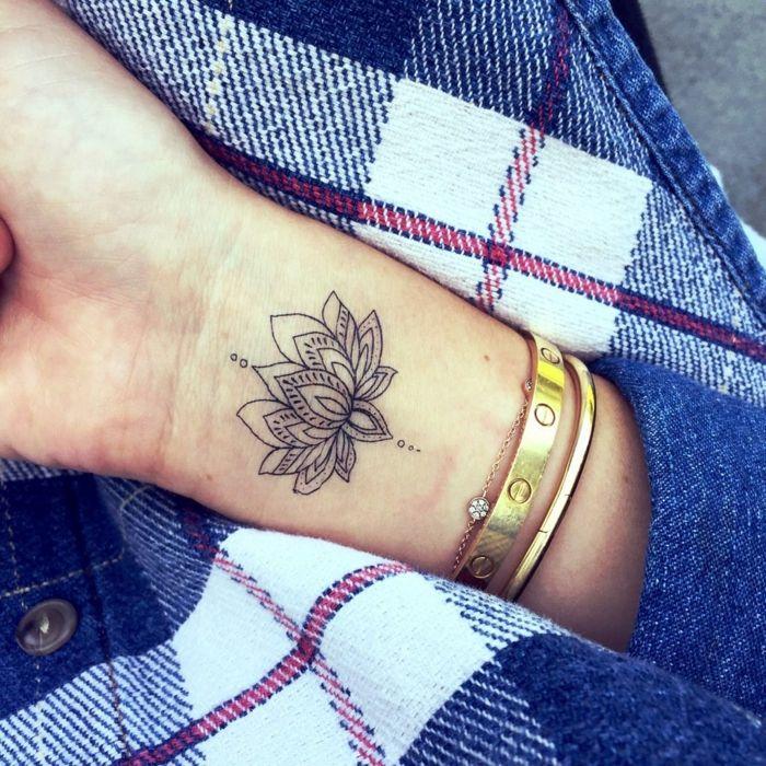 1001 Ideas De Tatuajes De Flores En Diferentes Estilos Tatuajes De Muneca De Flores Tatuajes Flor De Loto Tatuajes De Flores
