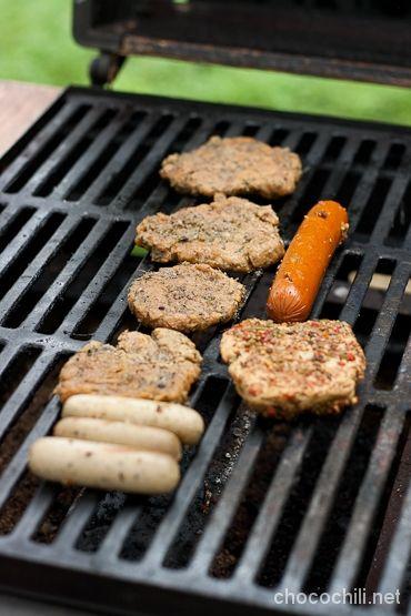 Mitä vegaani grillaa? Suositun Chocochili-blogin vinkit grillaukseen.